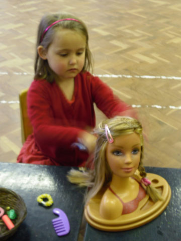 Getting to grips with hair styles at Make and Play